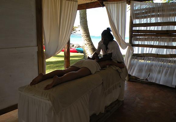 Appréciez un massage, dans votre chambre ou sur la plage.