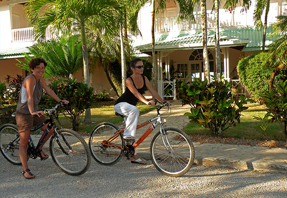 Bike to the village or around the bay. (bicycles free of charge)
