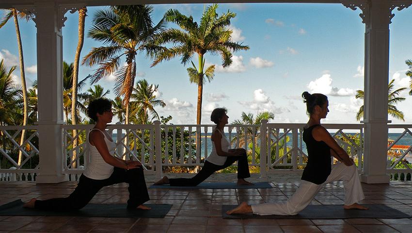 Nehmen Sie an einem unserer Yoga-, Meditation- und Wellnessprogrammen teil.